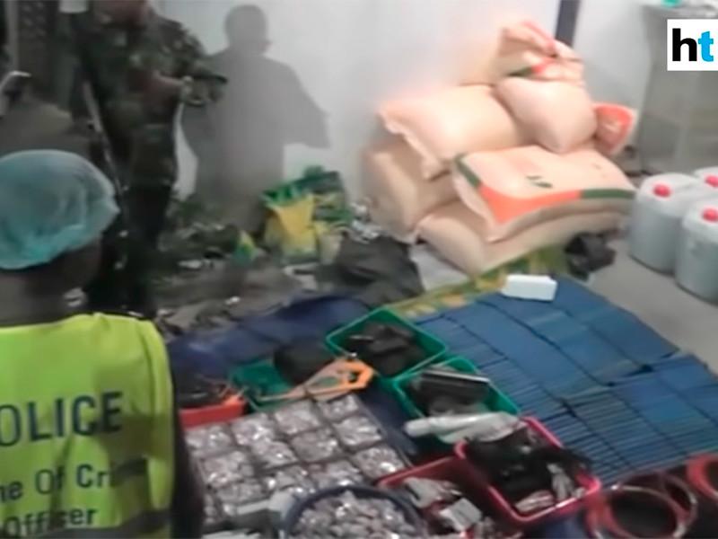 15 человек, включая шестерых детей, погибли в перестрелке между военными с предполагаемыми террористами на Шри-Ланке
