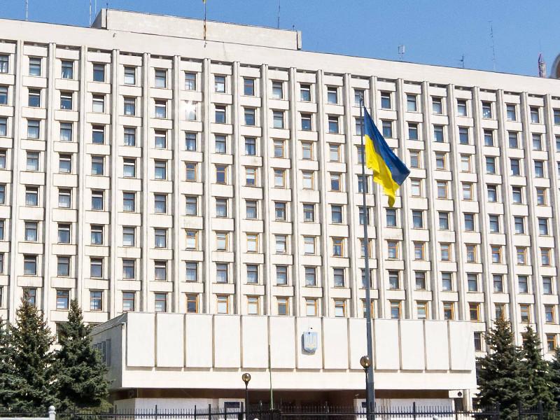 Центральная избирательная комиссия (ЦИК) Украины после подсчета 60% протоколов официально заявила, что ни один из кандидатов уже не сможет набрать большинства голосов избирателей
