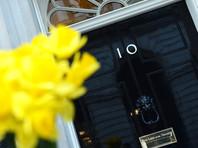 Глава Минобороны Соединенного Королевства Гэвин Уильямсон уволен со скандалом из-за утечки секретных данных, связанных с китайской телекоммуникационной корпорацией Huawei, подозреваемой в промышленном шпионаже
