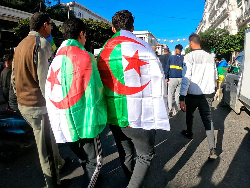 Выборы президента Алжира могут перенести