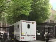 Британский суд приговорил Джулиана Ассанжа к 50 неделям заключения