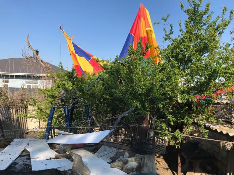 В Крыму благополучно закончилась история с унесенным ветром воздушным шаром, на котором находилась 11-летняя девочка