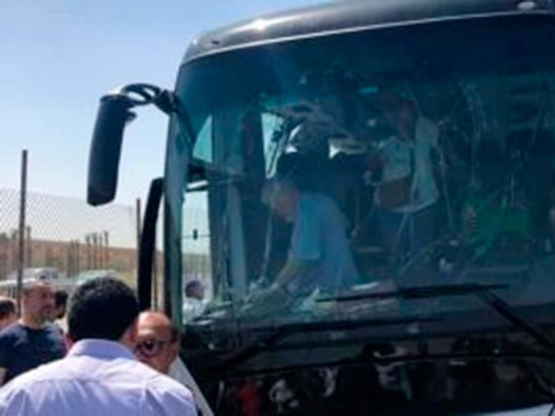 В Египте в результате взрыва у туристического автобуса пострадали 16 человек