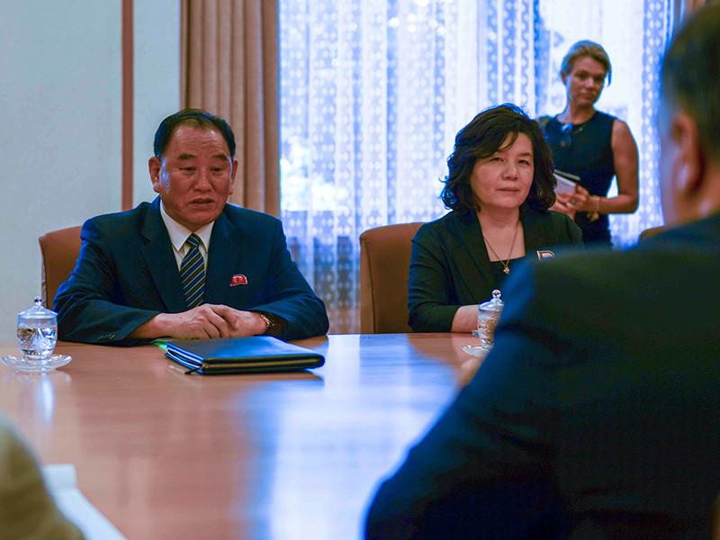 Спецпредставитель КНДР по делам США государственного совета республики Ким Хёк Чхоль и еще четыре высокопоставленных северокорейских дипломата были казнены из-за провала американо-северокорейского саммита в Ханое
