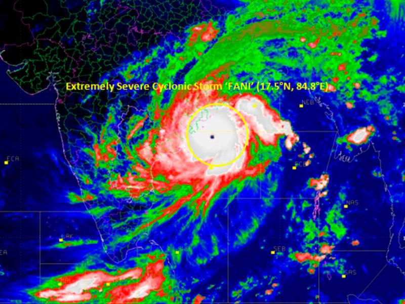 """На восток Индии надвигается тропический циклон """"Фани"""": эвакуируют более миллиона жителей"""" />"""