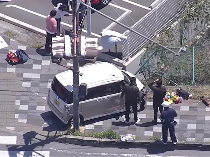 """Автомобиль врезался в группу детсадовцев в Японии, двое детей погибли (ФОТО, ВИДЕО)"""" />"""
