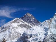 Не менее 10 альпинистов не пережили восхождение на запруженный туристами Эверест (ФОТО, ВИДЕО)