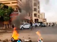 В Судане военные с оружием разгоняют палаточный лагерь оппозиции, три человека погибли  (ФОТО, ВИДЕО)