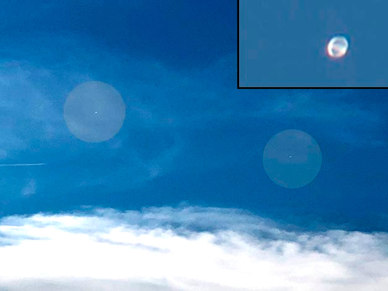 В американском штате Миссури многочисленные очевидцы стали свидетелями того, как в небе у города Канзас-Сити кружат странные объекты - в интернете их называют шарами, и они светятся