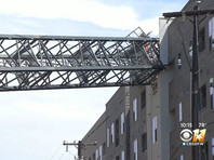В Далласе из-за падения подъемного крана на жилой комплекс погиб один человек, шестеро ранены (ФОТО, ВИДЕО)