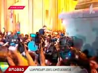 Это произошло на фоне скандала вокруг депутата Госдумы Сергея Гаврилова. В качестве президента МАП он открыл заседание сессии в здании парламента Грузии и обратился к делегатам, сидя в кресле председателя парламента