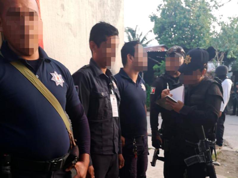 """Сто полицейских задержаны на юге Мексики по подозрению в убийствах, пытках и других преступлениях"""" />"""