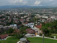 По его словам, представители ассоциации звонят в тбилисские гостиницы и представителям курортных городов с просьбой помочь найти альтернативные пути для приезда в Грузию