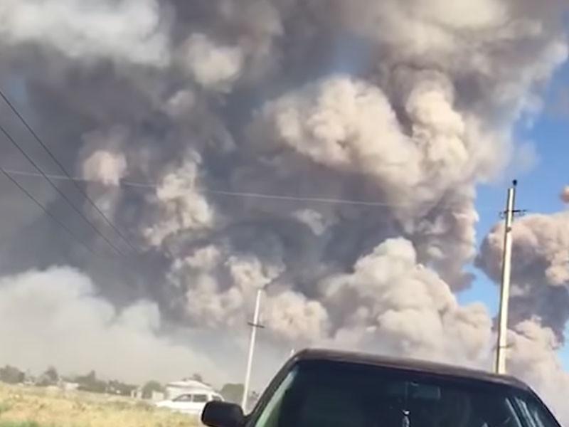 В Казахстане в результате взрывов на военном складе погиб один человек и десятки получили ранения