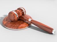 19-летняя британка, утверждавшая, что она стала жертвой группового изнасилования 12-ю израильтянами в номере отеля на Кипре, сама предстала перед судом - ей предъявлено обвинение