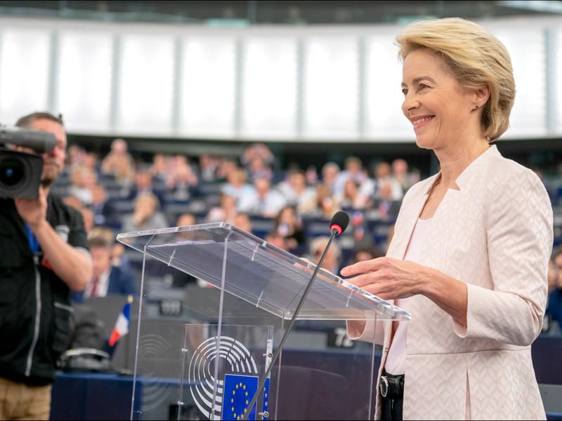 "Европарламент утвердил кандидатуру фон дер Ляйен на пост председателя Еврокомиссии"" />"