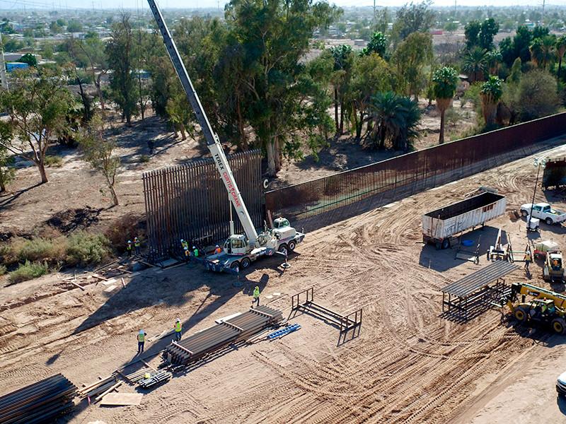 Верховный суд США разрешил Трампу тратить на постройку стены на границе с Мексикой $2,5 млрд из фондов Пентагона