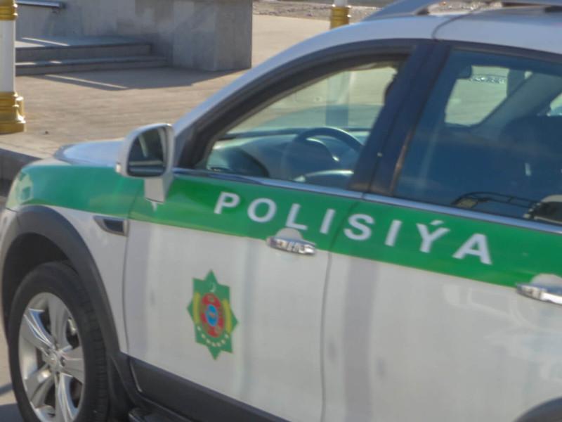 Полиция Туркменистана задержала трех человек, которых подозревают в распространении слухов о смерти президента республики Гурбангулы Бердымухамедова