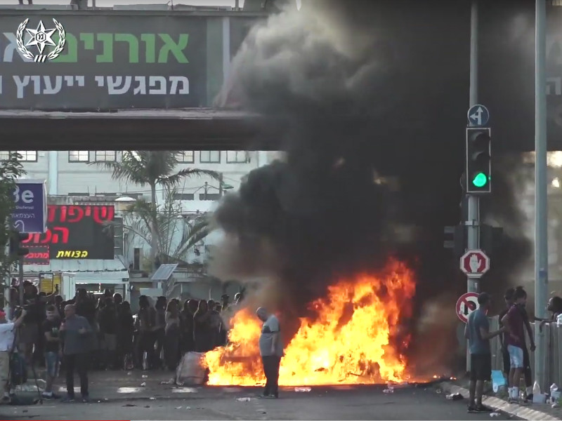 В Израиле бушуют протесты эфиопской общины из-за гибели 19-летнего юноши от рук полицейского