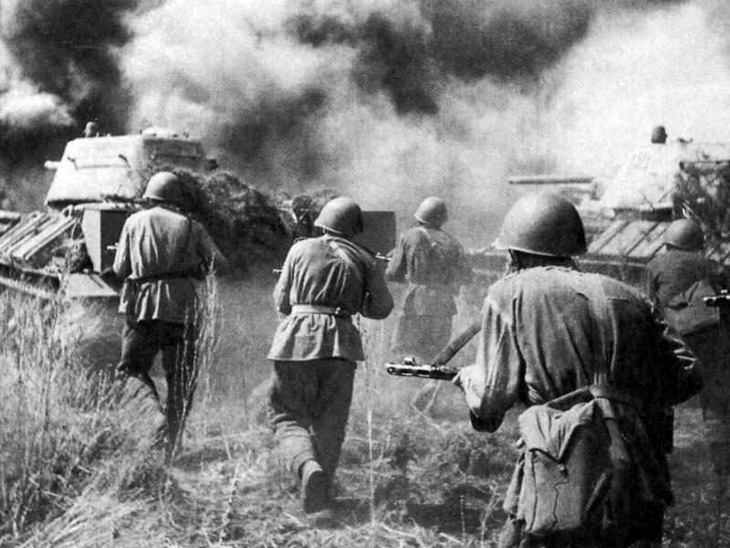 """Картинки по запросу Немецкие и британские историки развенчали """"советский миф"""" о победе СССР в крупнейшем танковом сражении под Прохоровкой в июле 1943 фото"""