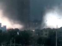 Во второй половине дня 3 июля мощный торнадо обрушился на городской уезд Кайюань в китайской провинции Ляонин
