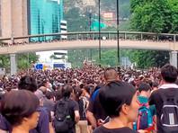 НОрганизаторы обещали, что манифестация будет носить мирный и спокойный характер. Сотни полицейских принимают меры для обеспечения безопасности по маршруту шествия