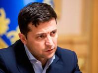 Также Зеленский поручил разработать механизм упрощенного предоставления украинского гражданства людям, которые страдают от нарушения прав и свобод в своих странах