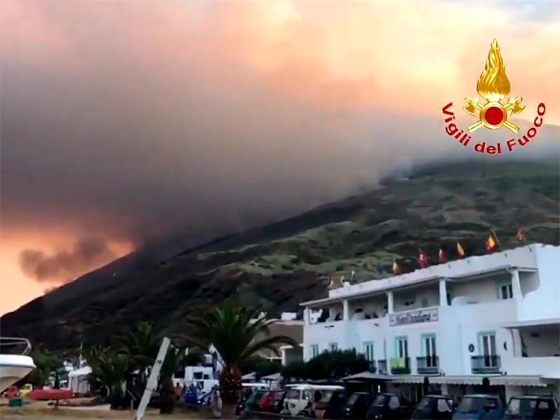 В Италии проснулся вулкан на острове, где отдыхают богатые туристы: есть жертвы