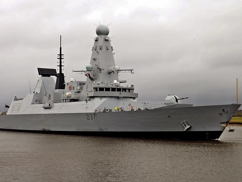 Эсминец ВМС Великобритании HMS Duncan вошел в воды Персидского залива