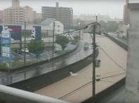 Из-за беспрерывных ливней на юге Японии эвакуируют более миллиона человек (ФОТО, ВИДЕО)