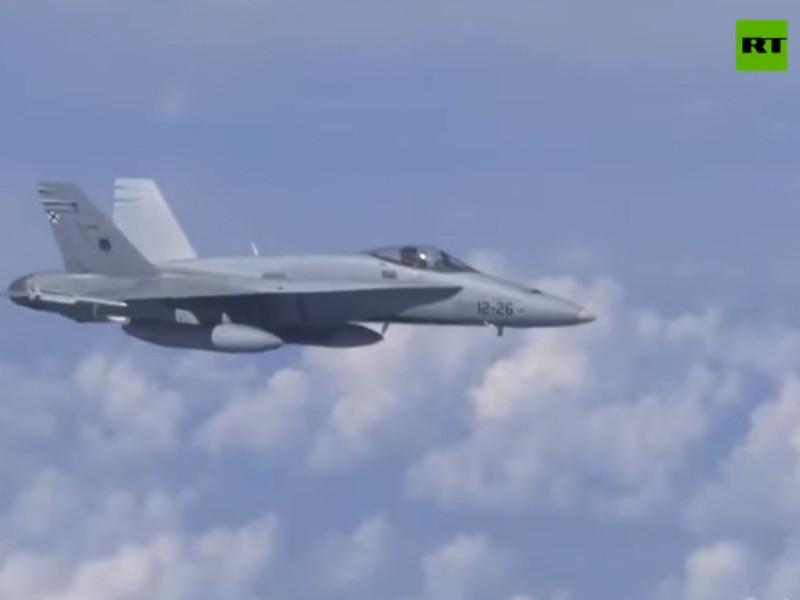 Истребители НАТО приблизились во вторник над Балтийским морем к самолету министра обороны РФ Сергея Шойгу для идентификации