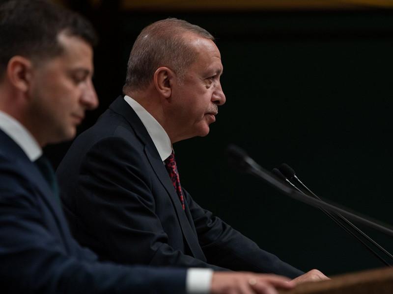"""Президент Турции Реджеп Тайип Эрдоган сообщил, что Турция никогда не признавала """"незаконной аннексии Крыма"""" и не сделает этого. Такое заявление глава государства сделал в Анкаре на совместной пресс-конференции с президентом Украины"""