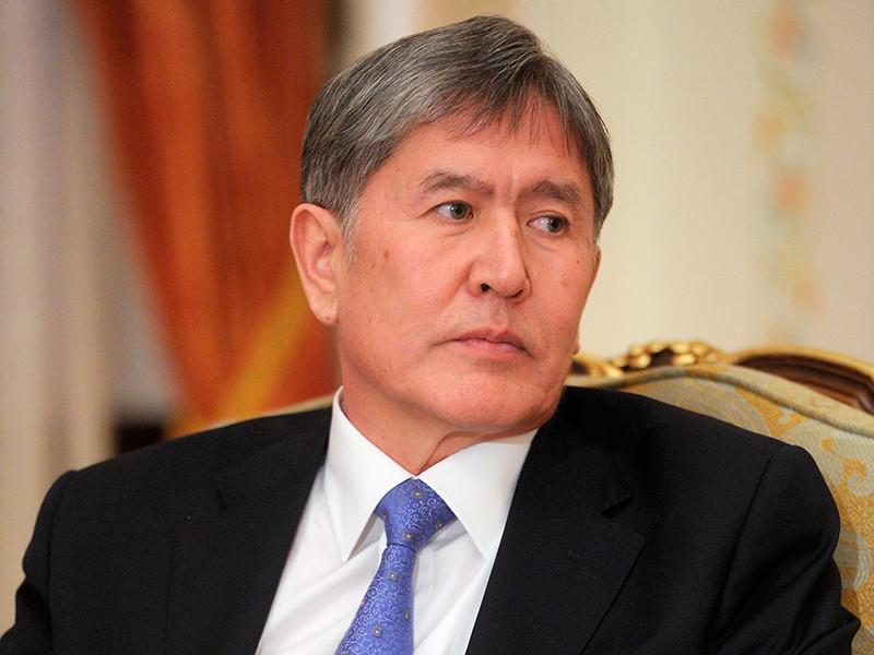 Счета экс-президента Киргизии Алмазбека Атамбаева в 25 коммерческих банках республики арестованы в рамках уголовных дел против бывшего главы государства