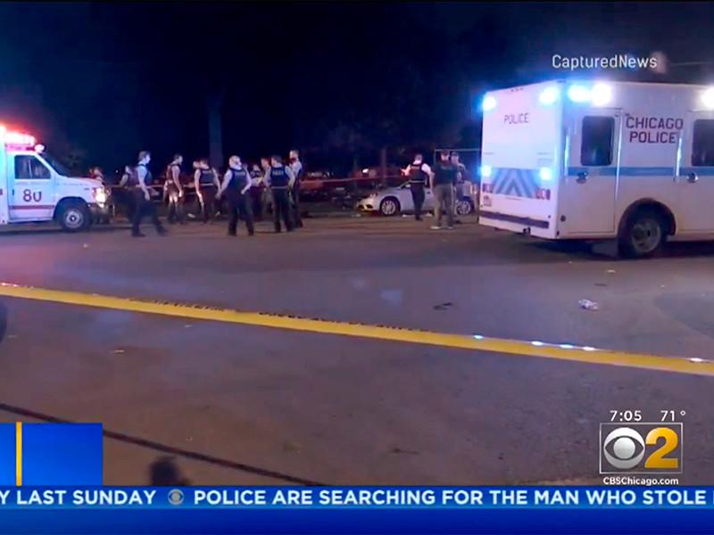 """Третья стрельба за сутки в США: семь человек пострадали в парке Чикаго"""" />"""