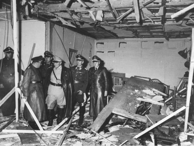 """75 лет назад в полевой ставке Верховного командования германской армии Wolfsschanze (""""Волчье логово"""") возле города Растенбурга в Восточной Пруссии произошло покушение на Гитлера, закончившееся неудачей"""