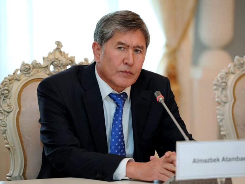 Алмазбек Атамбаев руководил Киргизией с 2011 по 2017 годы и стал первым президентом, который добровольно покинул должность после полноценного первого срока