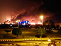Сильные пожары вспыхнули на двух нефтеперерабатывающих предприятиях Саудовской Аравии в результате атаки беспилотников в ночь на 14 сентября