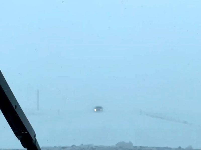 Американский штат Монтана и канадскую провинцию Альберта завалило снегом