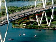 Активисты организации Greenpeace, устроившие акцию на мосту через судоходный канал в Хьюстоне, арестованы