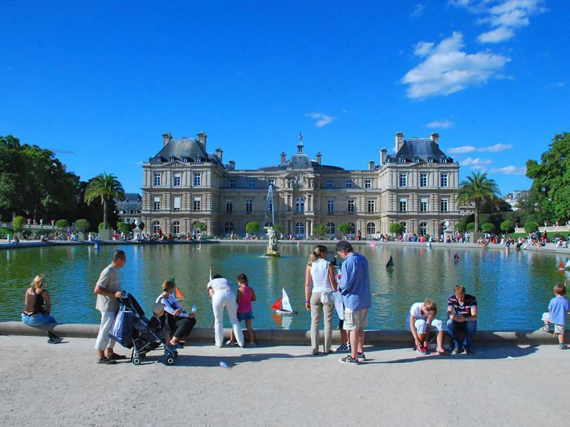 Жители Франции летом 2019 года пережили два периода жары - в июне и в июле. 28 июня был побит температурный рекорд в 46 градусов тепла