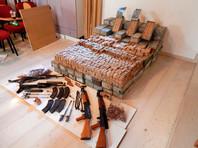 На Крите задержан грузовик с автоматами Калашникова и 122 тыс. патронов
