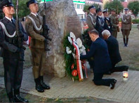 В церемонии на рассвете приняли участие президенты Польши и ФРГ - Анджей Дуда и Франк-Вальтер Штайнмайер