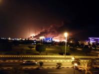 В ночь на 14 сентября хуситы атаковали предприятия саудовской национальной нефтяной компании Saudi Aramco на востоке страны 10 беспилотниками. Нападению подвергся крупнейший в мире нефтеперерабатывающий комплекс вблизи города Абкайк, где проживает много западных специалистов, а также НПЗ в районе Хурайс
