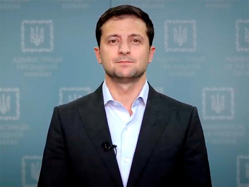 Президент Украины Владимир Зеленский записал видеообращение, в котором он рассказал, в частности, об условиях для местных выборов в Донбассе