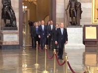 Вскоре после полудня по местному времени (20:00 мск) в Сенате приняли семерых уполномоченных Палаты представителей Конгресса, которые передали коллегам две статьи обвинений в адрес американского лидера