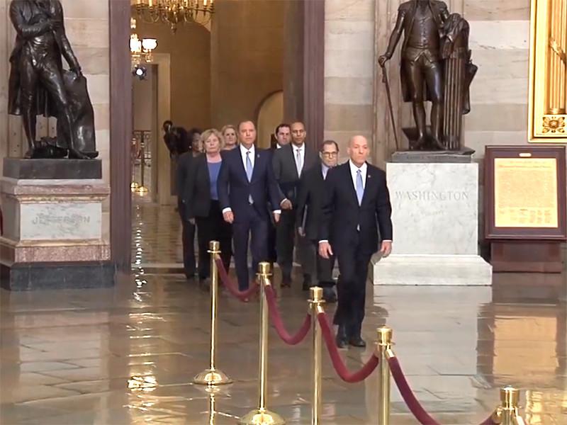 """Обвинения в адрес президента Трампа официально представлены в Сенате США"""" />"""