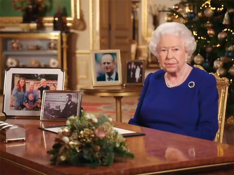 """Елизавета II заявила, что поддерживает решение принца Гарри начать """"новую жизнь"""""""