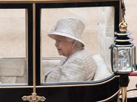 По данным газеты The Times, королеву Елизавету II разочаровало решение ее внука и его супруги, принятое без согласования с Букингемским дворцом