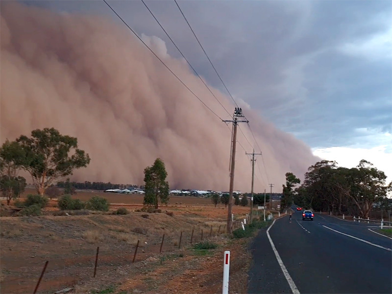 """На юго-восток Австралии обрушились штормы с крупным градом и пыльные бури (ФОТО, ВИДЕО)"""" />"""