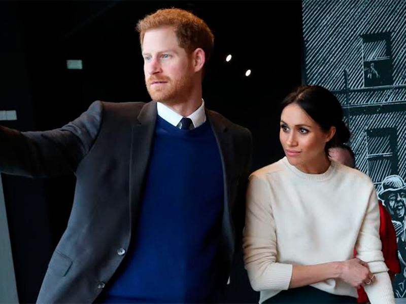 Бунт в Букингемском дворце: принц Гарри с супругой отказались от королевских полномочий и королевских денег